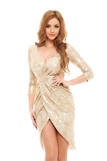 `Rochie de aur` pentru ocazii speciale2