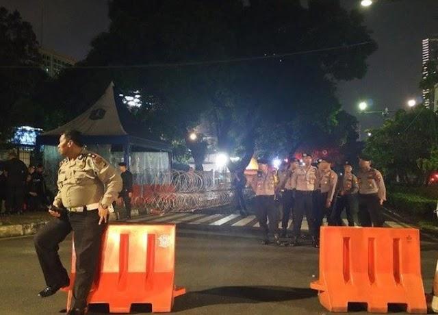 Polisi Tutup Jalan, KPU Akan Umumkan Pemenang PilPres Malam Ini