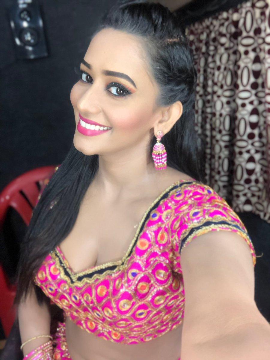 Sanjana Singh Latest Pics - Latest Movie Updates, Movie
