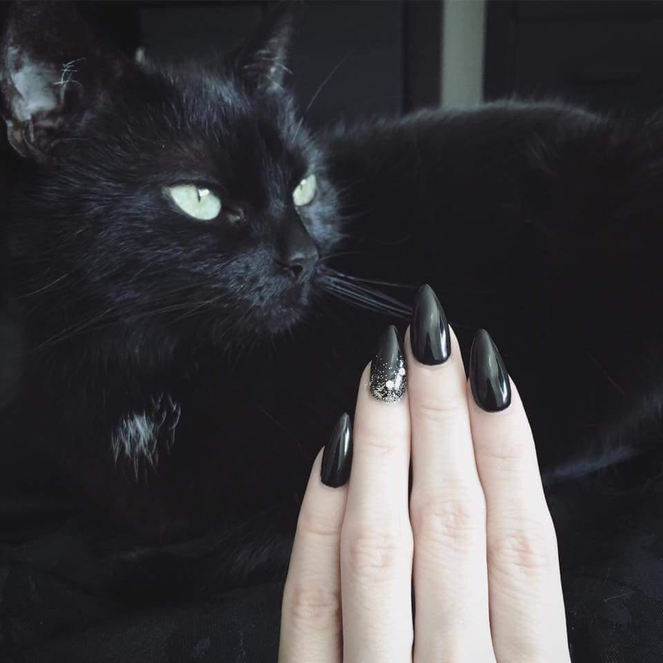 Witchy nails inspirations