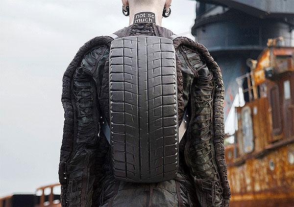 13 Model Tas Yang Saking Uniknya Bisa Bikin Kepalamu Geleng-Geleng