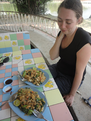marché de nuit, pad thai, riz, night market,tuktuk, temple Thaïlande, Ayutthaya, location vélo, guesthouse