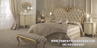 ranjang tidur klasik gold