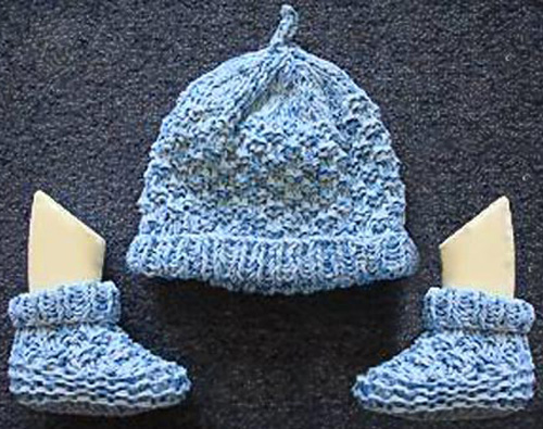 Two Needle Blocks Baby Booties - Free Pattern