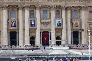 Praça Sao Pedro em dia de audiencia papal