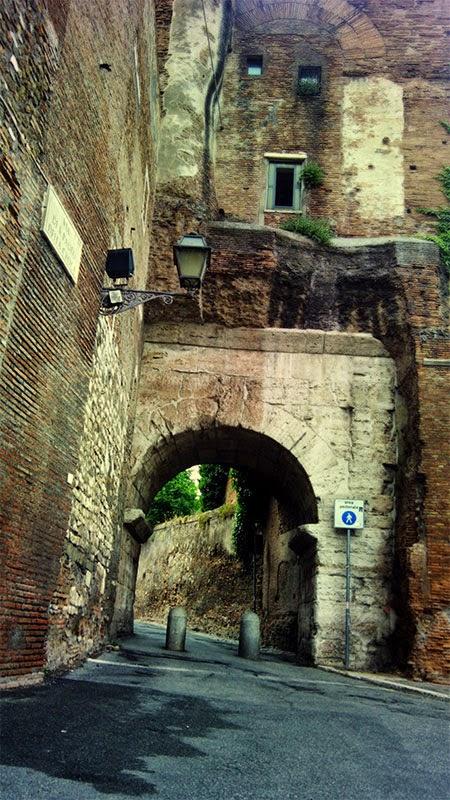 Arco di Dolabella, passeios com guia em português
