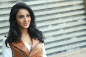 priyashri new sizzling stylish photos-thumbnail-16