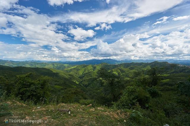 Widoki po drodze w Laosie