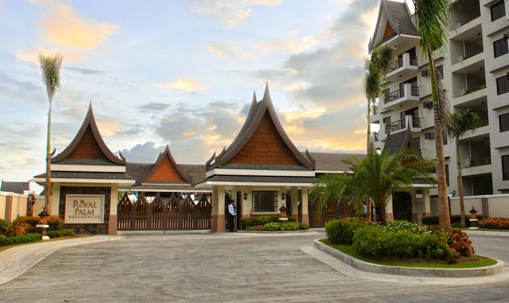 Royal Palm Residences Main Entrance