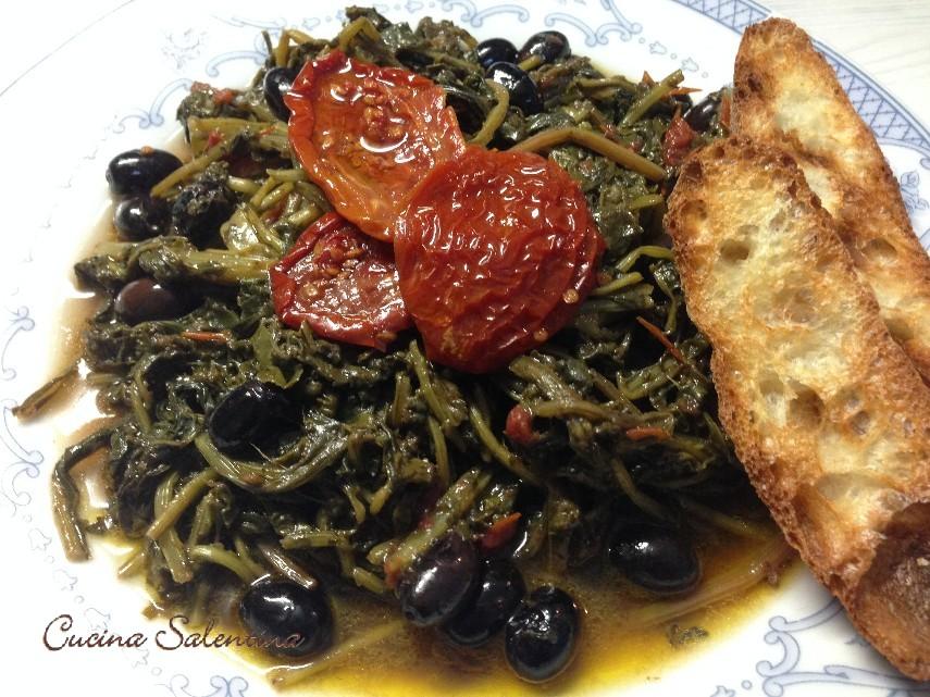 Bietole selvatiche con pomodori secchi e olive nere for Cucinare bietole