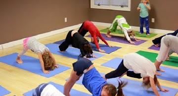 8 benefícios do Yoga para crianças