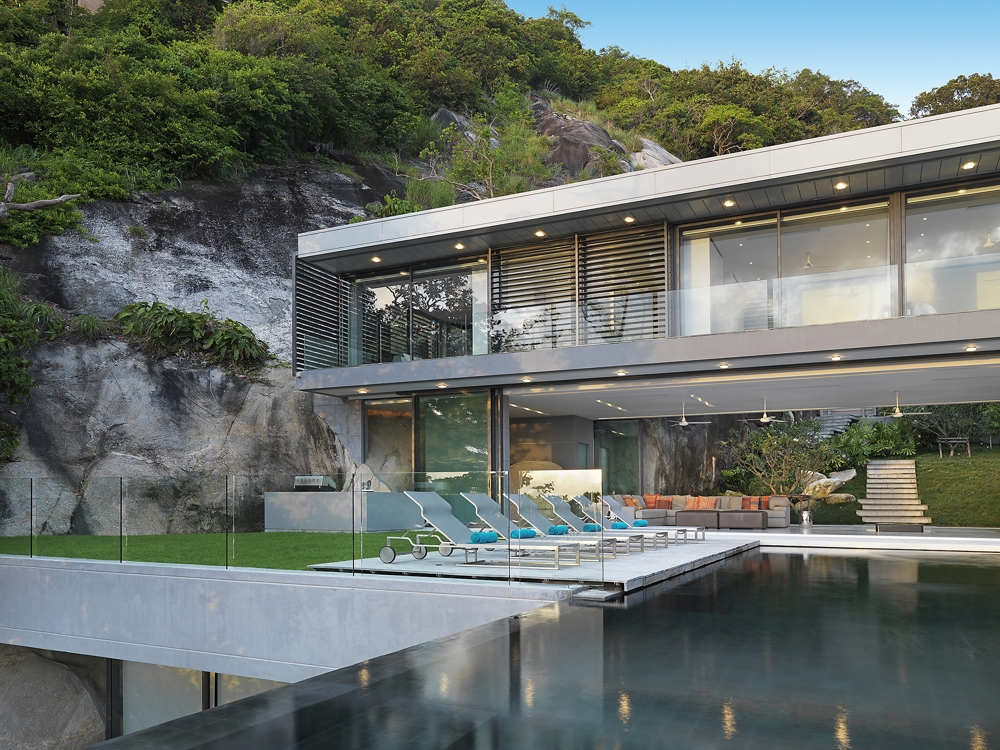 If it 39 s hip it 39 s here archives villa amanzi a modern for Villa architect