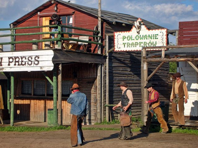 kowboje, napad na bank, western, Ścięgny