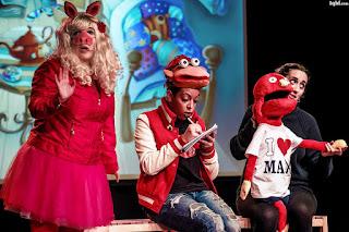 http://dantegc.com/saladante/index.php/programacion-sala-dante/los-muppets-en-la-escuela