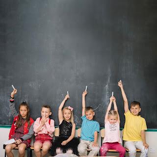 Tweetalig onderwijs in een multiculturele klas.