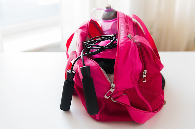 Gym Bag Essentials that You Must-Have Going to the Gym   via  www.productreviewmom.com