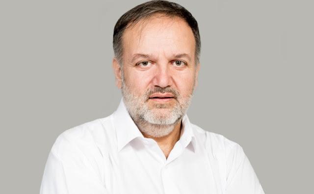 Τάσσος Χειβιδόπουλος: Μπερδεμένα και  μασημένα λόγια Δημήτρη Νταβίλη