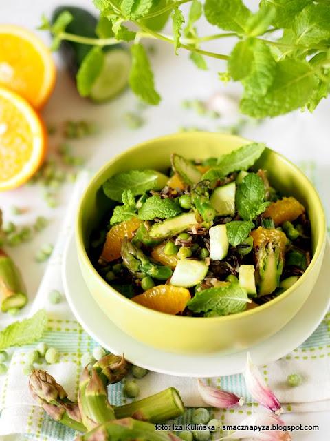 salatka ryzowa, salatka z dzikiego ryzu, zielone warzywa, szparagi, groszek zielony, groszek mrozony, poltino, mrozonki, dziki ryz, lunch, przekaska, grill, dodatek do grilla, samo zdrowie,