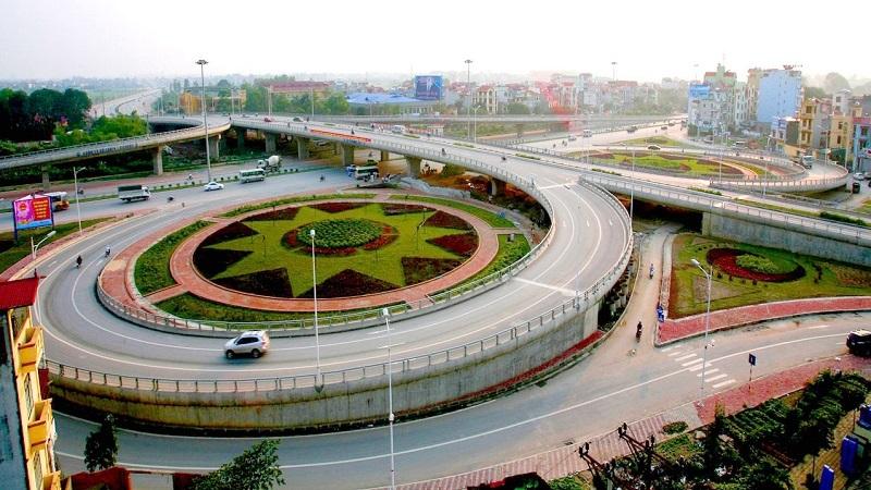 Quận Long Biên có vị trí địa lý đặc biệt.