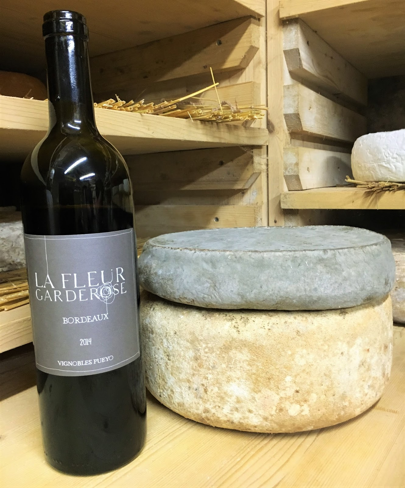 la laiterie de paris vin rouge et fromage l 39 avis de la maison quatrehomme. Black Bedroom Furniture Sets. Home Design Ideas