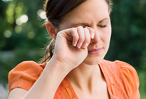 Penyebab Mata Gatal dan Cara Mengatasinya