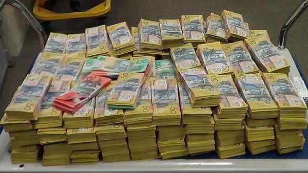 مواطن إسترالى يتبرع بمبلغ 400 مليون دولار إسترالى من اجل التنمية