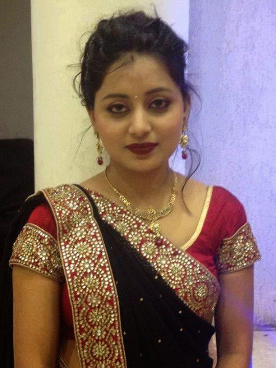 Top 50 Real Indian Housewife Bhabhi Saree Hot Sexy -3963