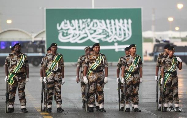 Солдати Саудівської Аравії На новому острові Сельва крім Катару буде розташована також військова база Саудівської Аравії.