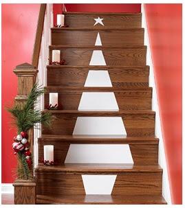 decorar las escaleras con un pino pintado en los escalones