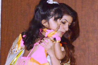 Twinkle Khanna, Biography, Profile, Biodata, Family , Husband, Son, Daughter, Father, Mother, Children, Marriage Photos.