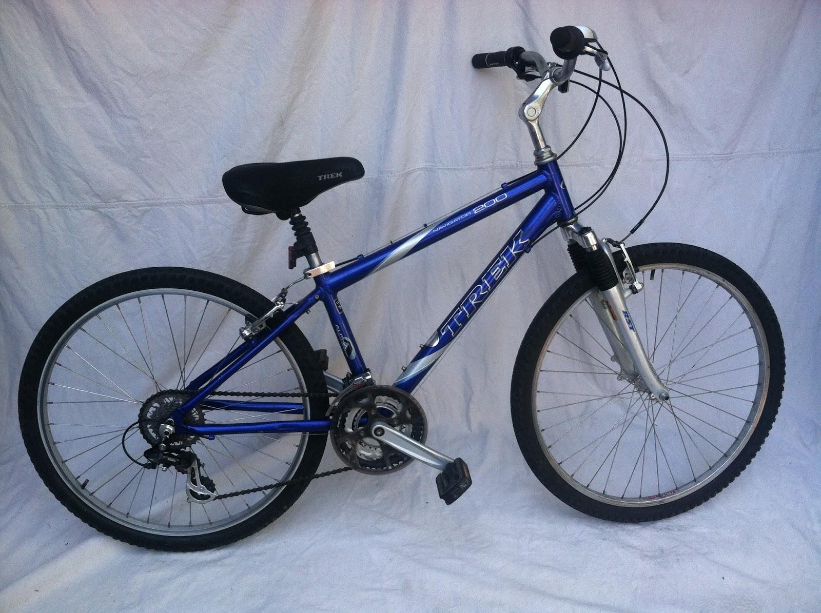 2002 Trek Navigator 200 Hybrid Comfort Bike 14 5 SOLD | The