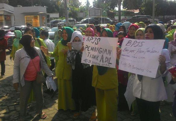 Puluhan Pegawai RSUD Raden Mattaher Unjuk Rasa, Ada apa