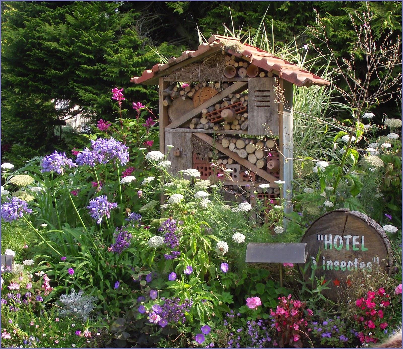 pigeonnieresplendy2 maison ou h tel pour les insectes. Black Bedroom Furniture Sets. Home Design Ideas