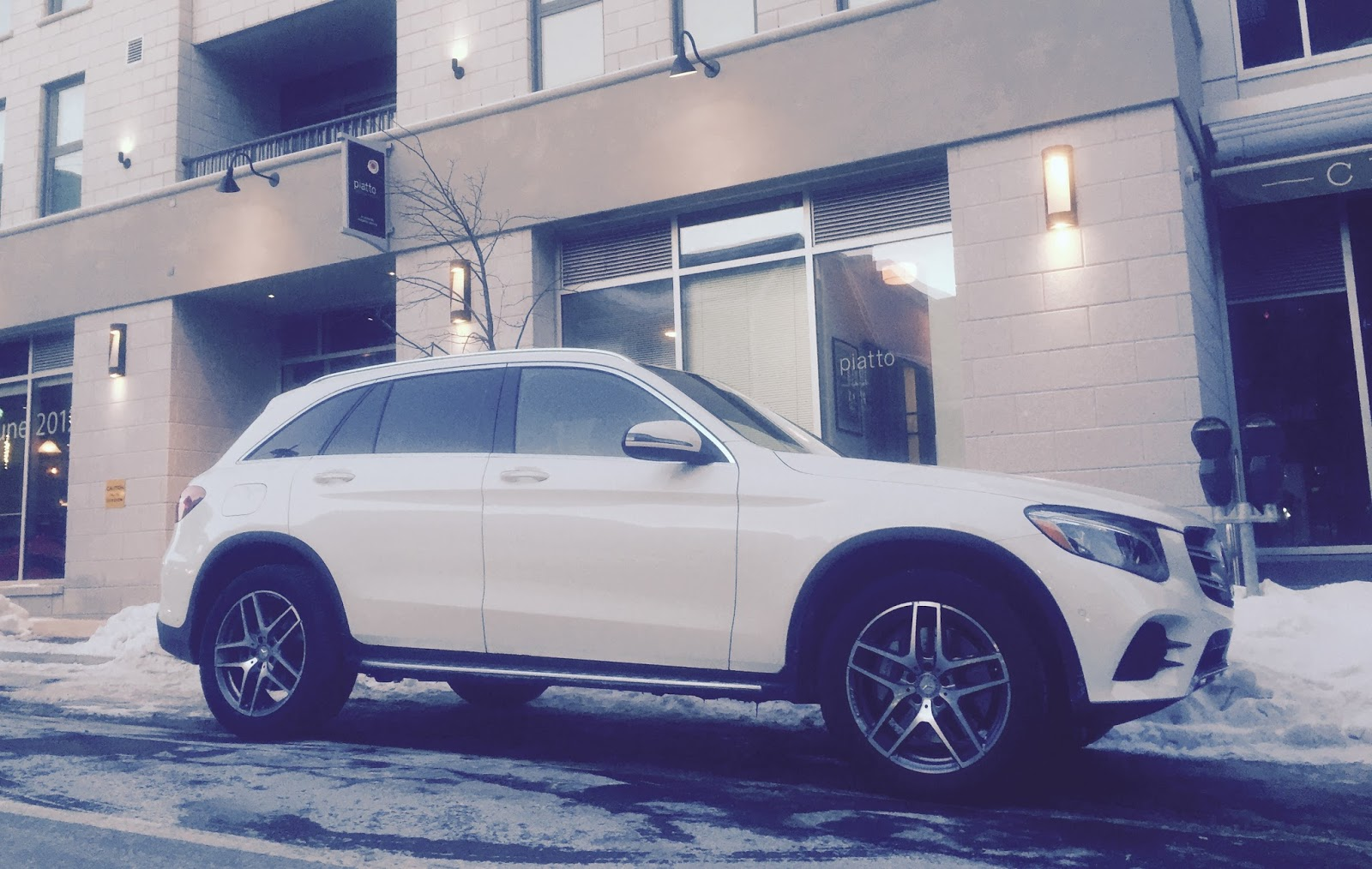 2016 mercedes benz glc300 4matic review this is very very good gcbc. Black Bedroom Furniture Sets. Home Design Ideas