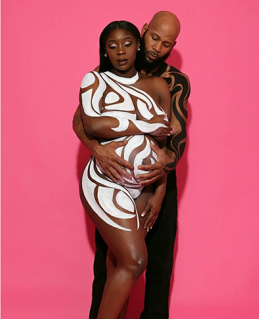 Viral-couples-nude-maternity-shoot-2