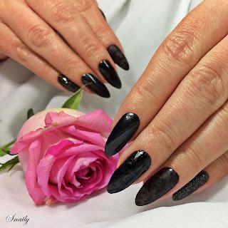 http://snaily-nails.blogspot.com/2018/01/czarna-pera.html