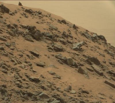 Piramida Baru Ditemukan di Mars