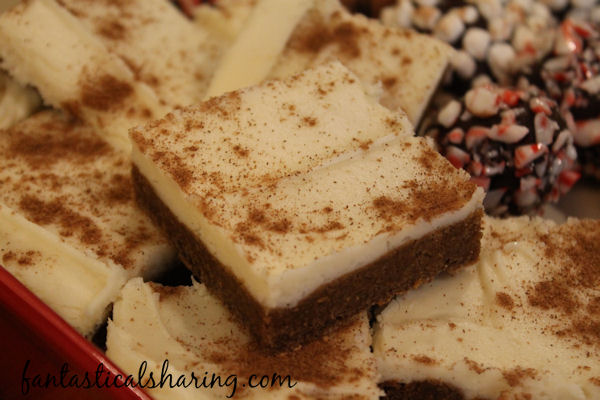 Gingerbread Cookie Bars // Chewy spiced gingerbread cookies in bar form topped with cream cheese frosting - perfect for the winter months! #gingerbread #dessert #bar #recipe