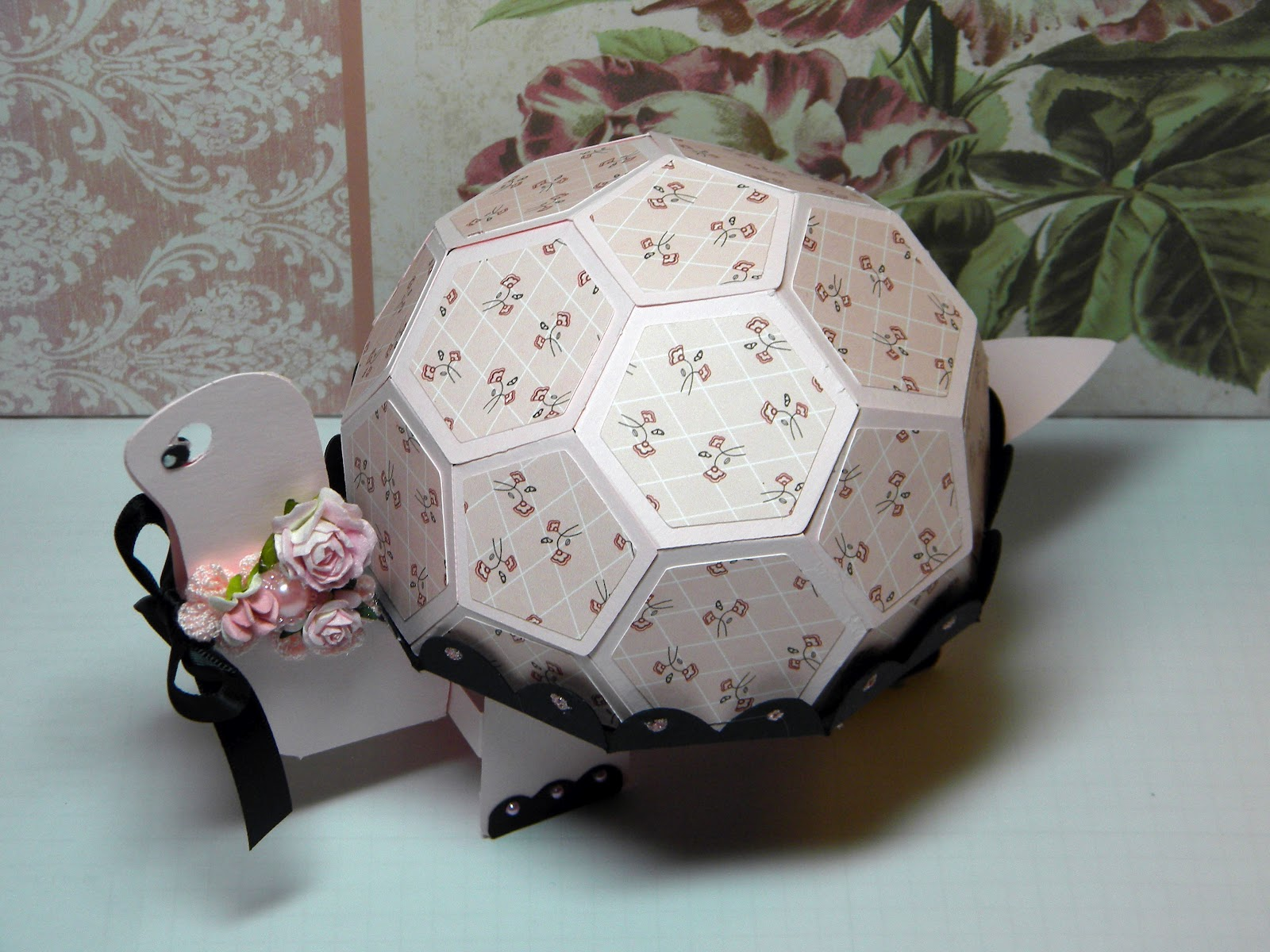 Whimsical Paper Elegance: Preview Day 1: Trendy Turtle