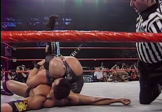 WWE / WWF - In Your House 19: D-Generation-X - Steve Austin pins The Rock in their first PPV match together