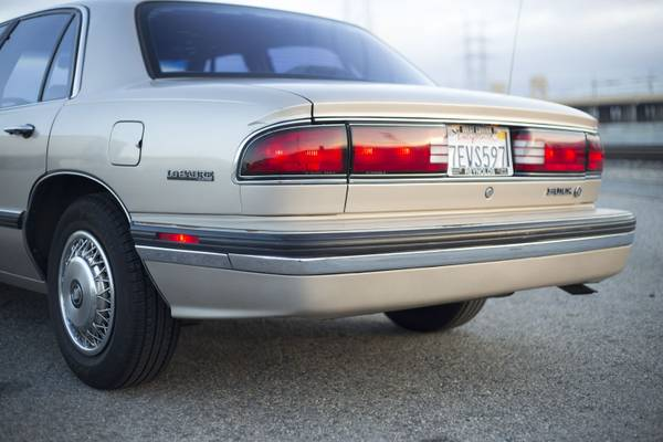 Buick Lesabre Sedan Rear View on 1995 Buick Lesabre