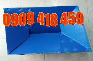 thùng nhựa carton đáy xếp màu xanh