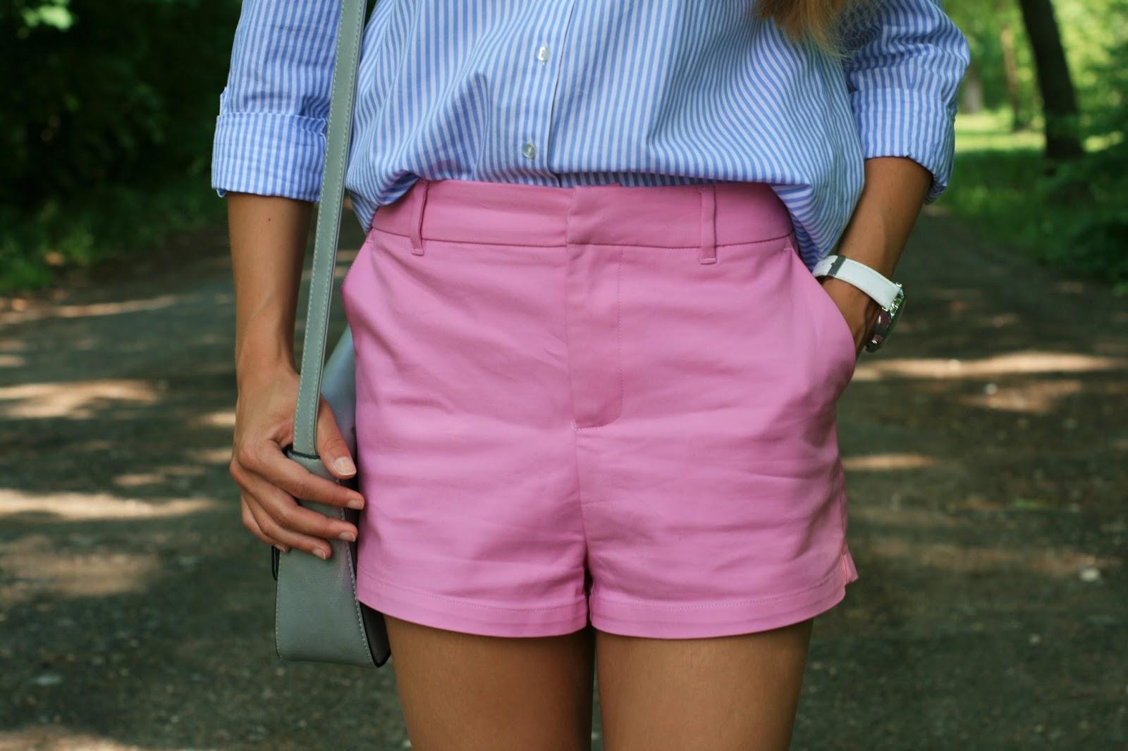 Candy shorts & striped shirt | Szorty w cukierkowym kolorze i koszula w paski
