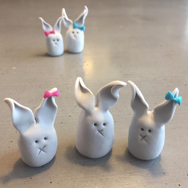 conejitos hechos a mano, funny bunny, polymerclay