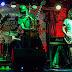 ROCK N´CHOP lanzó su ciclo en Rockin Music Bar con la presencia de Airbag y Attaque 77