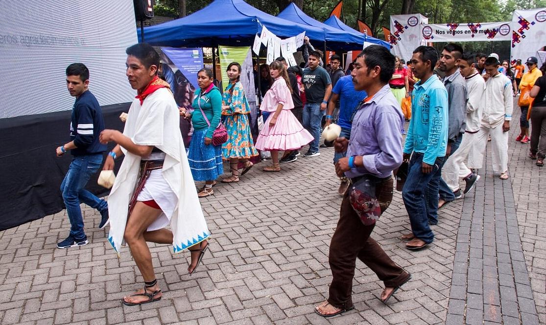 Hermanos rarámuris ganan carrera Tarahumara en CDMX