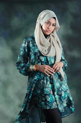 tutoria Foto model Hijab indoor cewek manis dan celana jenas ketat cewek igo selalu seksi