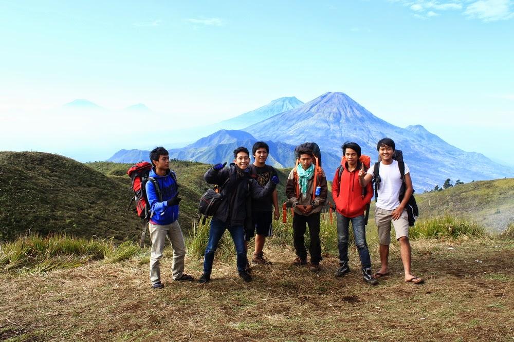 dataran tinggi dieng backpacker murah jalur pendakian gunung tertinggi di dunia