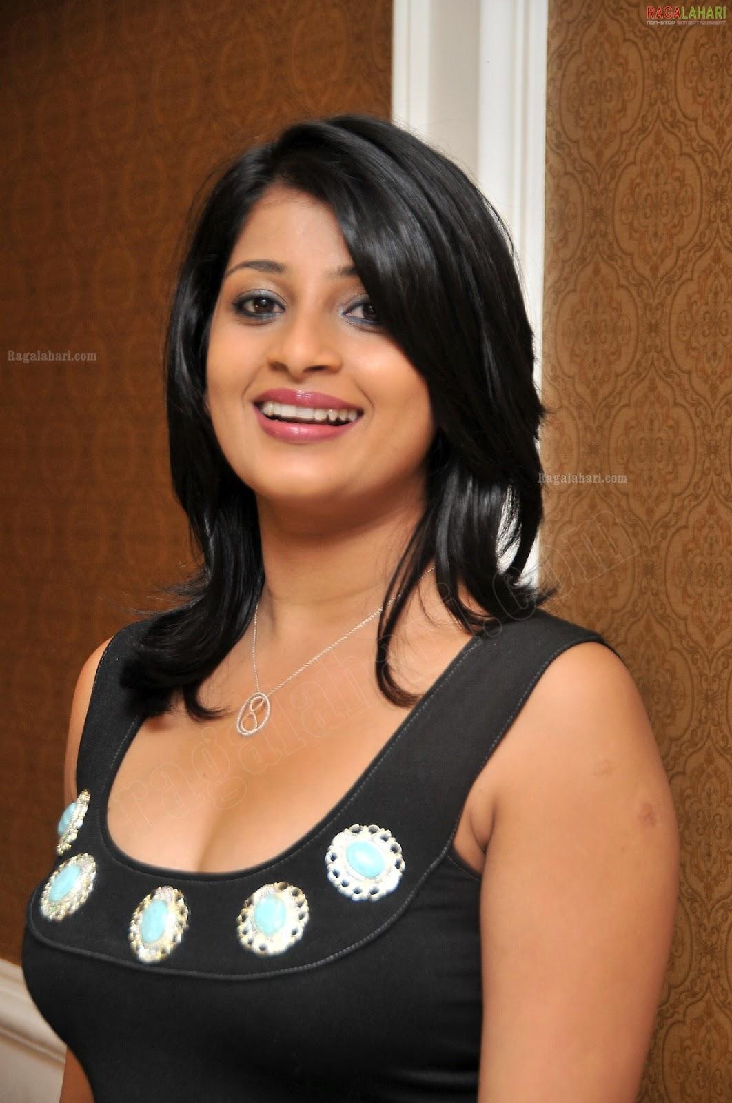 Sri Lankan Sexy Girls Shiranthi Hemamali   Gossip Lanka