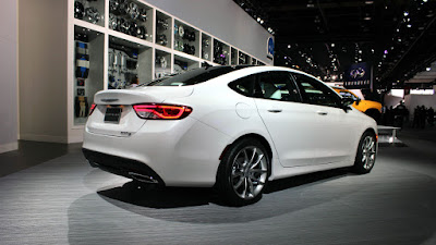 Chrysler 200 Sedan rear look Hd Pictures